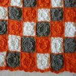çiçek motifli yastık dizaynı