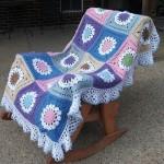 çiçek motifli koltuk örtüsü modeli