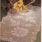 çiçek motifli konsol örtüsü modeli