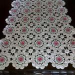 çiçek motifli sehpa örtüsü