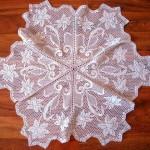 altı parça çiçekli dantel fiskos örtüsü