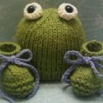 bebek yeşil gözlü şık patik ve şakalar