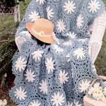 beyaz çiçek motifli koltuk örtüsü modeli