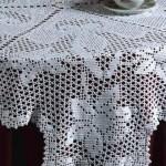 beyaz çiçekli dantel fiskos örtüsü