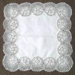 beyaz kumaş oymalı dantel sehpa örtüsü modeli