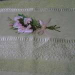 beyaz kurdela nakışı havlu dizayn örnekleri