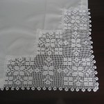 beyaz oymalı dantel bohça kenarı modeli