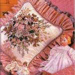 fırfırlı  yastık üzerine kudele nakışı