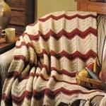 kırkızı krem renkli püsküllü örgü koltuk örtüsü modeli
