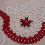 kırmızı çiçekli havlu kenarı modeli