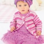 kız bebek için pembe çizgili hırka ve beresi