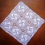 kare motifli dantel vitrin takımı
