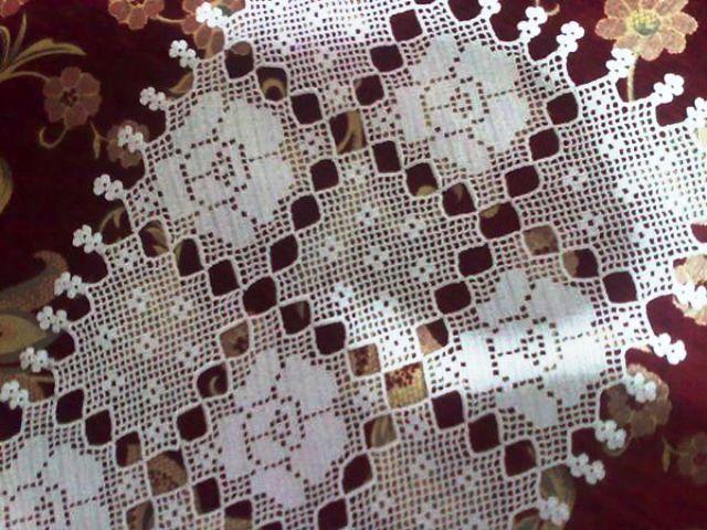 kare motifli güllü dantel salon takımı