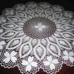 kozalaklı çiçekli dantel fiskos örtüsü