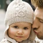 krem kulaklı çocuk şapkası