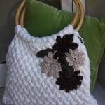 krem rengi çiçekli örgü çanta modeli