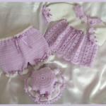 lila pantalonlu şapkalı örgü bebek bluzu modeli
