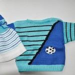 mavi çizgili erkek bebek kazağı ve şapkası