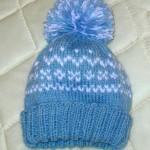 mavi ponponlu bebek şapka modeli