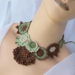 modern şık tığ işi örgü kolye dizayn