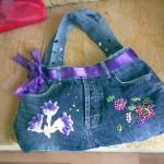 mor kurdeleli üzeri çiçekli kot çanta modeli