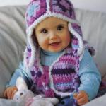 mor renkli şapkalı örgü bebek yeleği modeli