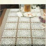 motif motif çiçekli dantel kare masa örtüsü modeli