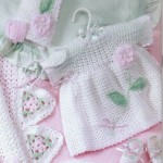 pembe güllü patikli örgü bebek bluzu modeli