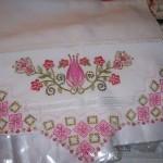 pembe işlemeli havlu kenarı modeli