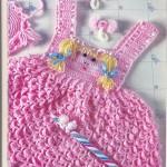 pembe kız figürlü örgü bebek bluzu modeli