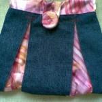 pembe kumaşla süslenmiş kot portföy çanta modeli