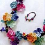 rengarenk çiçekli kolye örneği