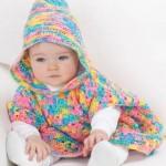 rengarenk kapşonlu bebek pançosu modeli