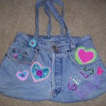 rengarenk taşlarla süslenmiş kot çanta modeli