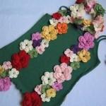 renk renk çiçek desenli fular modeli