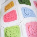 renkli çiçek motifli bebek battaniyesi modeli