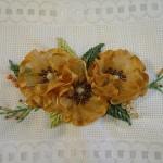 sarı çiçekli boncuklu kurdela nakışı havlu