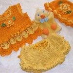 sarı şortlu turuncu örgü bebek bluzu modeli