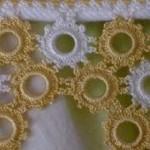 sarı beyaz çiçekli halkalı havlu kenarı