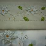 simli çiçek işlemeli kurdela nakışlı havlu modeli