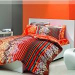 turuncu çiçek desenli nevresim modeli
