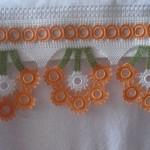 turuncu çiçekli havlu kenarı modeli