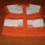turuncu beyaz örgü bebek yeleği modeli