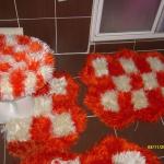 turuncu beyaz kareli klozet takımı modeli
