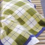 yeşil beyaz kareli bebek battaniyesi modeli