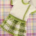 yeşil etekli örgü bebek bluzu modeli