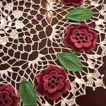 yuvarlak çiçek motifli sehpe örtü modelleri (1)