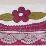 çiçek desenli pembe aplike pike takımı