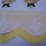 çiçek desenli dantel sarı karyola takımı modeli