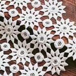 çiçek motifli gümüşlük dantel örneği